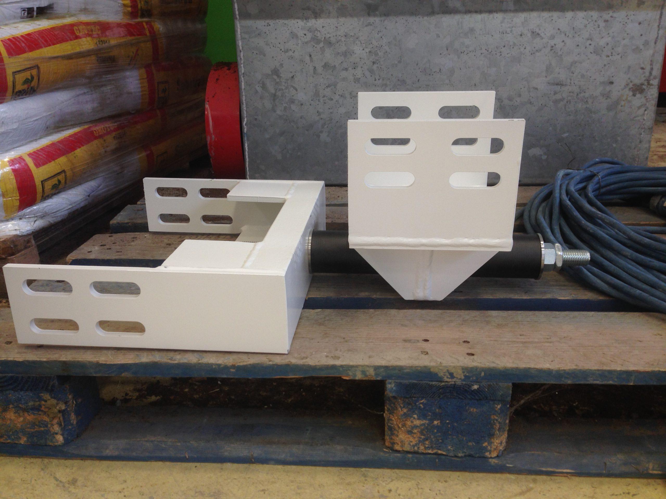 Sismocell e carpenteria per il montaggio
