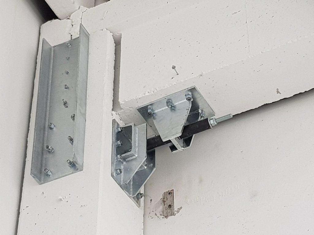 Adeguamento sismico con Sismocell - dispositivo antisismico a fusibile dissipativo